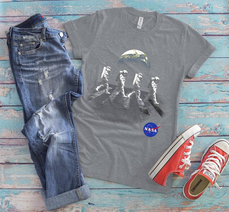 NASA Spacewalk Astronauts Earth Shirt, Cool Spacemen Tshirt, Womens Vintage Tee, Mother Earth, Science Astronomy Lover Gift, Space Gifts