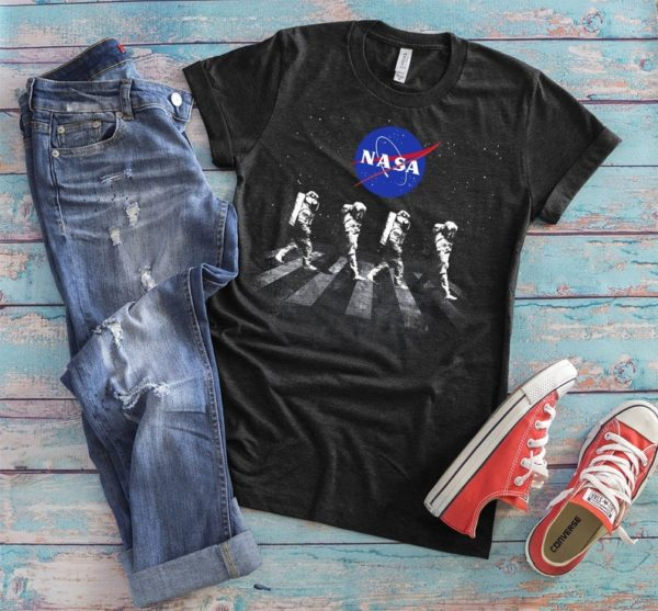 NASA Spacewalk Astronauts NASA Shirt, Cool Spacemen Tshirt, Womens Graphic Tee, Solar System, Science Astronomy Lover Gift, Space Gifts